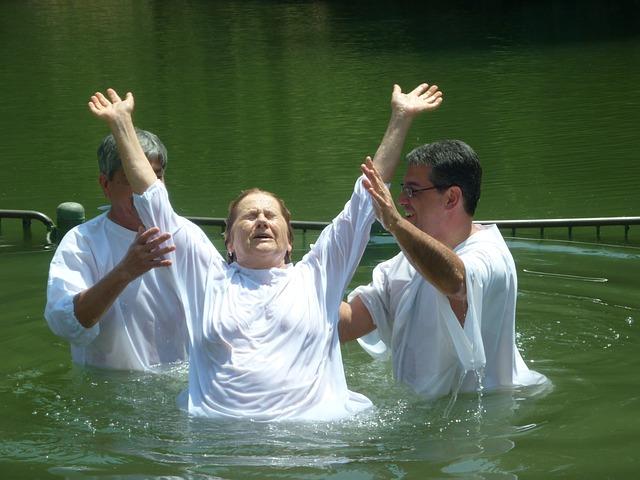 baptism-1959655_640